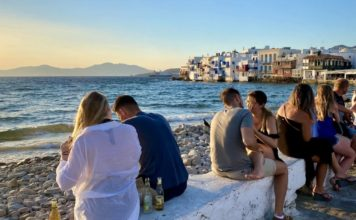 Turistas en Mykonos